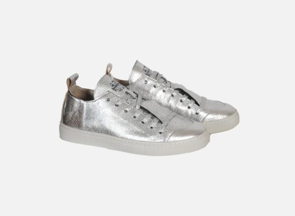 Hochwertiger Sneaker CHAAYA